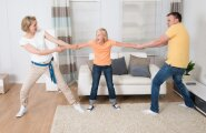 Pahane naine: mis mõttes eksmehe uus naine mu lapse emaks trügib?!