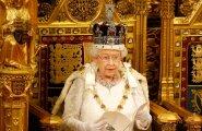 """MIDA KUNINGANNA TEEKS? Elizabeth II seisukoht läheb Ühendkuningriigis korda paljudele. Märtsis väitis tabloid The Sun """"kindlale allikale"""" toetudes, et kuninganna on Brexiti pooldaja, kuid Buckinghami palee lükkas selle väite ümber."""