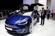 Uued Teslad suudavad ise sõita