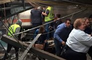 US-NEW-JERSEY-TRANSIT-COMMUTER-TRAIN-CRASHES-AT-HOBOKEN-TERMINAL