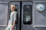 """Tapa raudteejaamas mängitav """"Aleksei Karenin"""", milles Elina Purdel on täita Anna Karenina roll, on näitlejanna sõnul heas mõttes vanamoodne klassikaline teater. Keegi ei ole alasti, keegi ei püherda milleski."""