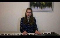 VIDEO: Noor lauljatar esitab popurrii Eesti 2016. aasta popimatest muusikapaladest