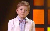"""VIDEO: Tõeline kuldsuu! 4aastane Oliver naerutas saate """"Väikesed hiiglased"""" publikut ja kohtunikke"""