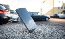Suvi toob katkiste telefonide epideemia – kuidas ekraani tervena hoida?
