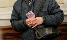 Жив — докажи: как не лишиться пенсии после переезда за границу