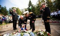 FOTOD: Marko Mihkelson asetas pärja Juminda merelahingus hukkunute mälestuseks