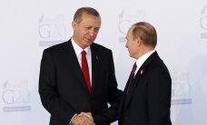 Путин поручит снять ограничения в туризме в отношении Турции