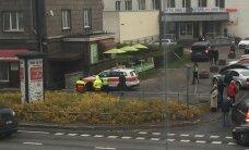 Tallinnas maski ja haamriga ringi jalutanud mees on politseile varasemalt tuttav