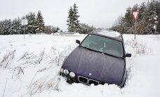 FOTOD: Viljandimaal sõitis BMW kraavi