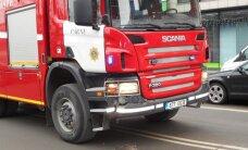 FOTOD: Tulekahjule sõitnud päästeauto sattus Pärnus avariisse