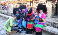 """""""Meie aasta Hiinas"""": Tuuli Roosma lapsed õpivad pulkadega sööma"""