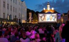FOTOD ja VIDEO: Armastusfilmide festivali tARTuFF avamine pani väljakutäie tartlaste südamed põksuma
