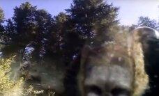 VIDEO: Mida teha karuga, kes kinnisesse autosse ronis ja end luku taha pani?