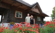 FOTOD: Hulljulge ja pisut pöörane paar ehitas Pärnumaale suursuguse rannahäärberi