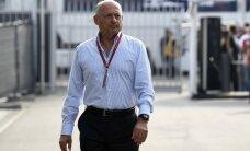 McLarenit pea 30 aastat juhtinud Ron Dennis sunniti lahkuma