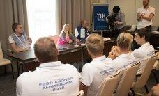 DELFI AMSTERDAMIS: FOTOD: Kergejõustikukoondise pressikonverentsil asusid ajakirjanikud seekord vastajate rolli