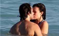 FOTOD: On alles mereelukad! Bruce Willise tütar Rumer harrastab peikaga väga märga eelmängu