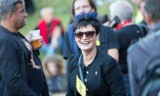 KLÕPS: Kiliseb-koliseb punkar Laine! Endine kultuuriminister lõi end punklaulupeo tarvis teemakohaselt lille
