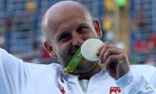 Соперник эстонских дискоболов продал олимпийскую медаль