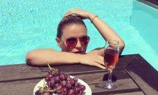 Анна Семенович сразила поклонников снимком в купальнике