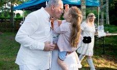 GALERII: Kati ja Jaan Toots lõbutsevad koos tütre Karolinaga Hundisilmal täies hoos
