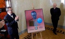 ГЛАВНОЕ ЗА ДЕНЬ: Пожар в Ласнамяэ, взятки при техосмотре, портреты Ильвеса и Путина