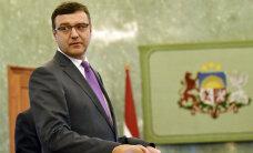 В Латвии минимальную зарплату хотят поднять до 410 евро, но часть фирм против