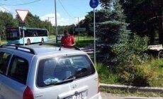 Plekimõlkimise põhjustanud nigeerlane: eestlane ütles, et tal on uus auto ning ta kutsub politsei, kui ma ei maksa 1000 eurot