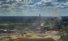 KUIDAS KIVIST ÕLI VÄLJA PIGISTADA: Eesti kolmest põlevkiviõlitööstusest väikseim, Kiviõli keemiatööstus veab põlevkivi reaktorisse, kuumutab sadade kraadideni, pressib õli välja ja viib jääkained prügilasse.