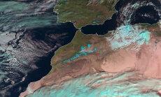Valged jõulud: Sahara kõrbes sadas üle 37 aasta lund ja see jäi isegi maha