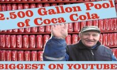 Video: Läti vanamees hüppab autoga 12 000-liitrisse Coca-Colasse