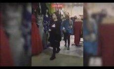 ВИДЕО: Наташу Королеву заметили во время шопинга на рынке
