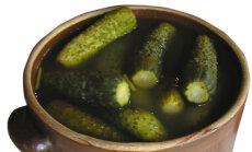 Lihtne retsept grilli kõrvale: krõmpsuvad värsked soolakurgid, mis valmivad vaid kolme tunniga