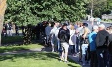 ФОТО: Посетителям Õllesummer приходится стоять в огромной очереди