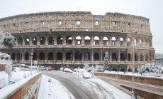 ВИДЕО: В Риме выпал снег. Закрыты школы, улицы чистят военные