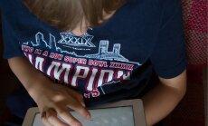 VEEBI VANGIS: Eesti lapsed õpivad üha rohkem nutiseadmete abil ja tarvitavad internetti suhtlemiseks rohkem kui eakaaslased mujal riikides.