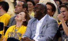 Magic Johnson naasis Los Angeles Lakersisse