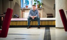 Kristjan Randalu naerab, et kui muusikuelu teda enam ei paelu, võib ta alustada reisikorraldaja karjääri, sest maailmas kontserte andes ja logistikat korraldades on tekkinud selles vallas suur kogemustepagas.