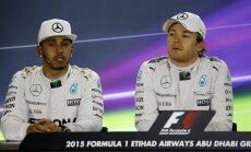 VIDEO: Hamilton ja Rosberg pandi pressikonverentsil piinlikku olukorda