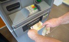 Viirusetõrje hoiatab: sularahaautomaadi taga seisvat inimest ja tema pangakontot ähvardab uus oht