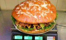FOTO: Eesti suurim ja kalleim burger paneb ka näljase ahastusest oigama