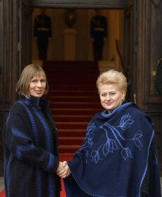 FOTOD: Sama stilist või riigipeade vaheline telepaatia? Kersti Kaljulaid kohtus Leedu presidendiga toon-toonis omavahel kokku sobivates mantlites