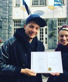 KLÕPS: Asi ametlik! Stig Rästa ja Karina Vesman panid pisitütrele nime