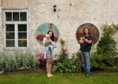 Maale kolinud kunstnikepaar rajas oma Eedeni aia