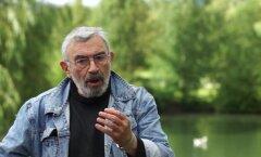 ВИДЕО: Зоолог Алексей Туровский рассказал, зачем собакам спасательный жилет