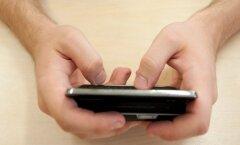 DELFI KIIRTUND: Kas nutitelefonid tuleks koolis keelata või õppetöös kasutusse võtta?
