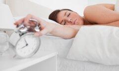 Suurepärane uudis unimütsidele: inimesed, kes magavad tihti sisse, on teistest targemad ja loovamad