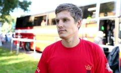 """ВИДЕО DELFI: Таллиннский спасатель — о забеге """"Король высотки"""", мотивации и зарплате"""
