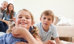 Psühholoogiaprofessori nõuanded: austa oma lapsi ja ära kogu aeg õpeta, vaid luba neil ise maailma avastada