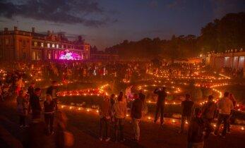 Valgus kõnnib Kadriorus: 8000 küünalt, 400 tõrvikut, 800 valgustatud õhupalli